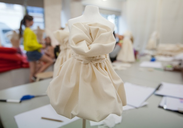 MoMu 'One Thousand Pleats' Workshop for children, 2012, Photo: Maaike Delsaert