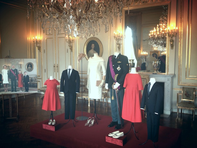 Installation with outfits of the Belgian Royal Family, 2013