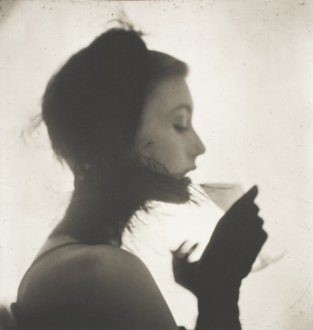 Irving Penn, Girl drinking wine (Mary Jane Russell), 1949
