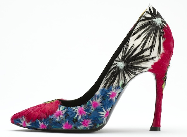 Roger Vivier, S/S 2008, Guermantes, pump in leather, satin, man-made fibre with coloured and treated chicken and rooster feathers. Photo: © Roger Vivier