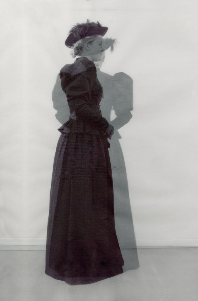 Mourning dress of Alice Gibson, 1896. Photographs from the work book of Yanaika Nuyts.