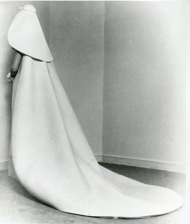 Cristóbal Balenciaga, Spring/Summer 1967. Wedding gown in gazar.